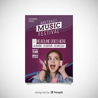 Cartaz de festival de música colorido com foto