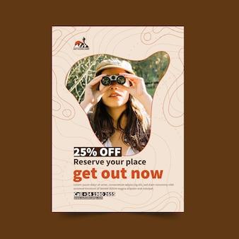 Cartaz de oferta de expedição de caminhada