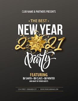 Cartaz de tipografia de festa de ano novo com inscrição realista ouro, laço de presente, enfeites de ouro e confetes dourados sobre um fundo preto.