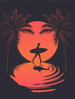 Cartaz de verão com silhueta de surfista a andar ao pôr do sol e reflexão sobre as silhuetas de água e palm. ilustração