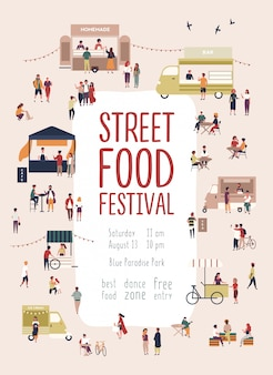 Cartaz do modelo de panfleto para o festival de comida de rua de verão com homens e mulheres caminhando entre caminhões ou bancas, comprando refeições caseiras, comendo e bebendo. ilustração vetorial para promo evento sazonal.