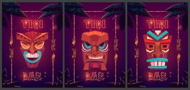 Cartazes de desenhos animados de bares tiki com máscaras tribais em armações de bambu e cartazes promocionais de folhas de palmeira para tabuletas de comida e bebida de bar em cabanas de praia com fontes brilhantes para banners de estabelecimentos de diversão