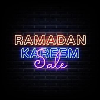 Cartazes de néon de venda ramadan kareem na parede de tijolos pretos