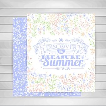 Cartões com ornamentos de flores, letras de verão tipografia na madeira