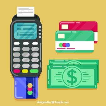 Cartões de crédito coloridos e dinheiro em dinheiro