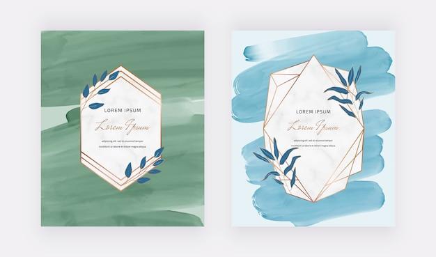 Cartões de desenho aquarela pincelada azul e verde com molduras geométricas de mármore.