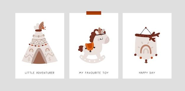 Cartões de marco infantil no estilo boho com arco-íris, cavalo, pônei, cabana