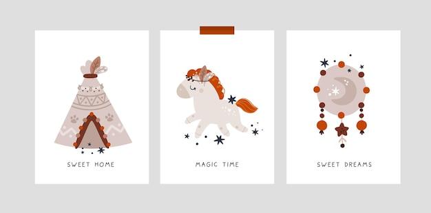 Cartões de marcos infantis no estilo boho com um lindo cavalo pônei e cabana