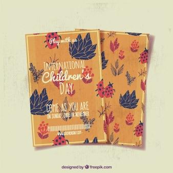 Cartões desenhados à mão com folhas e joaninhas