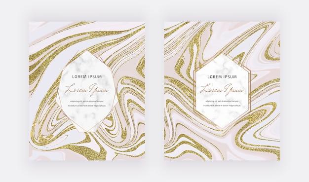 Cartões líquidos de tinta glitter dourados com molduras em mármore.