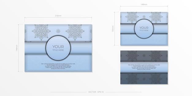 Cartões postais retangulares de vetor em azul claro com padrões pretos luxuosos. design de cartão de convite com ornamentos vintage.