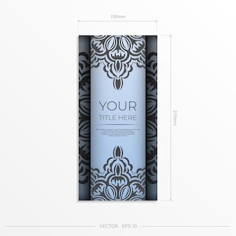 Cartões postais retangulares em azul claro com luxuosos padrões pretos. design de cartão de convite com ornamentos vintage.