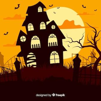 Casa assombrada de halloween ao entardecer