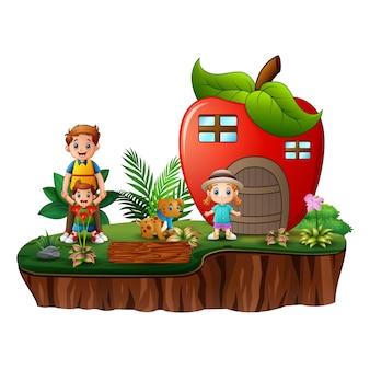 Casa da maçã com crianças felizes na ilha