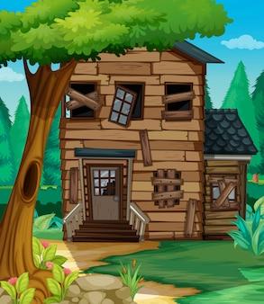 Casa de madeira com mau estado na selva