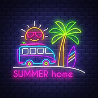 Casa de verão. letras de sinal de néon