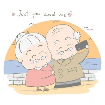 Casais idosos tiram fotos juntos em feriados