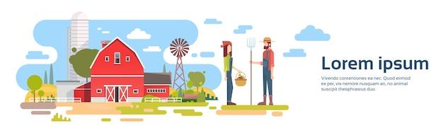 Casal de agricultores ficar antes da grande fazenda