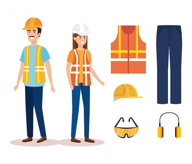 Casal de construtores construtores com equipamento
