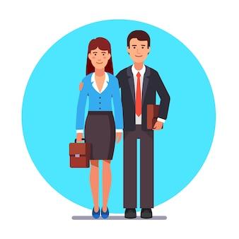 Casal de negócios da família em pé juntos