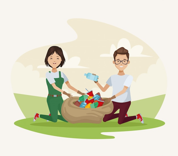 Casal de reciclagem no acampamento
