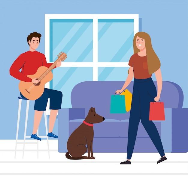 Casal em casa, homem tocando violão e homem com sacos de compras