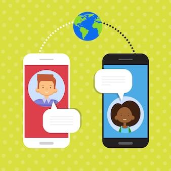 Casal fala celular inteligente bate-papo