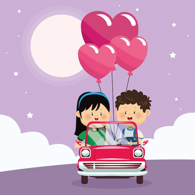 Casal feliz com balões de coração no carro clássico