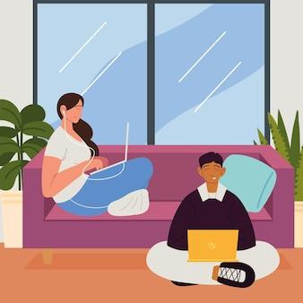 Casal freelance trabalhando em casa