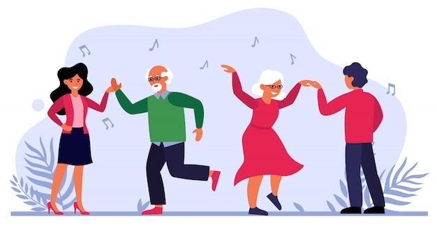 Casal idoso dançando com jovens