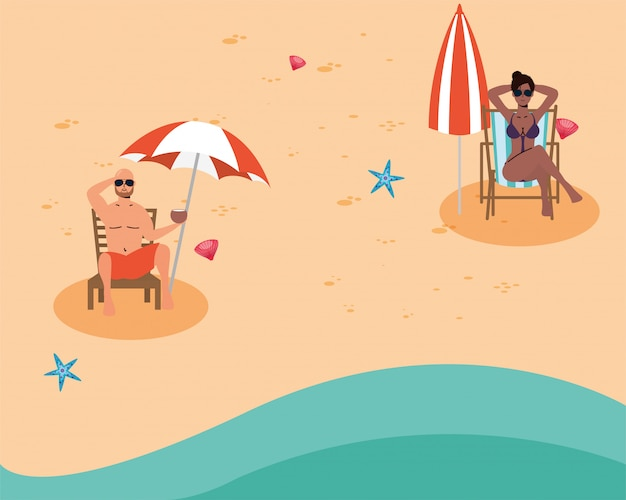 Casal interracial na praia praticando distância social