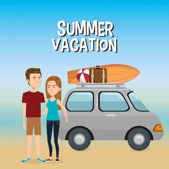 Casal nas férias de verão na praia