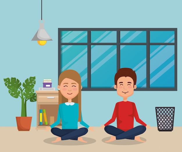 Casal praticando ioga