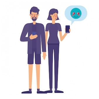 Casal usando smartphone com bolha do discurso