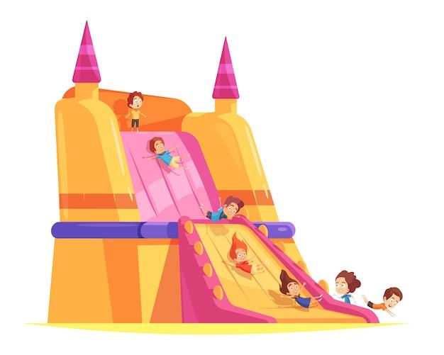 Castelo inflável com crianças brincando
