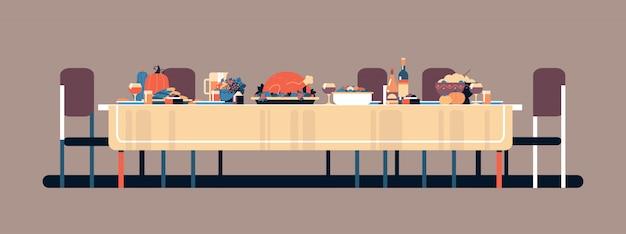 Celebração de ação de graças tradicional mesa de jantar comida saborosa abóbora peru bebidas