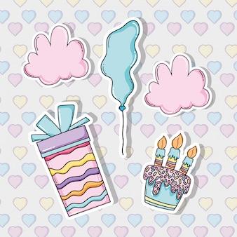 Celebração de aniversário com balões e bolo com velas