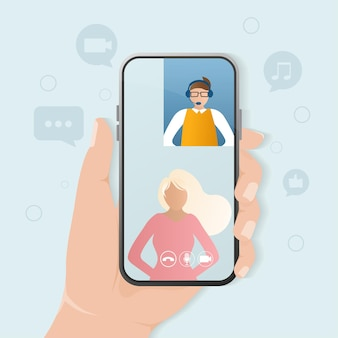 Celular com pessoas do chat de vídeo