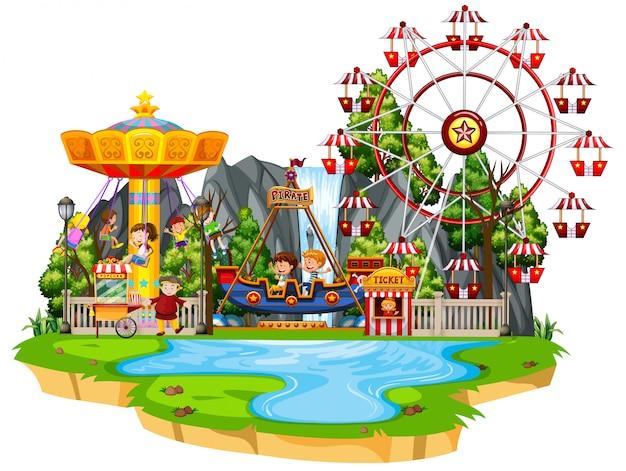 Cena com muitas crianças brincando de passeio no parque de diversões