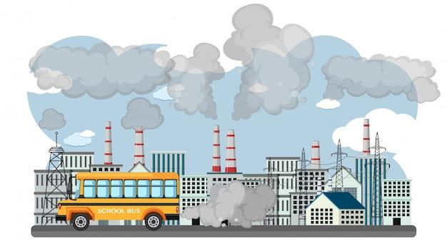 Cena com ônibus escolar e edifícios da fábrica poluindo o ar
