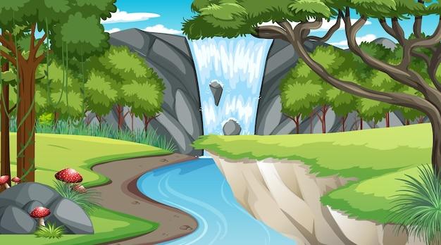 Cena da natureza com cachoeira e riacho fluindo pela floresta