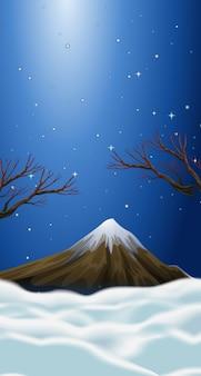 Cena da natureza com neve no topo da montanha