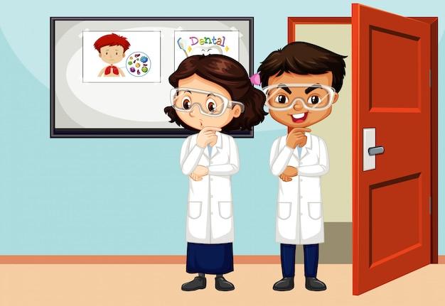 Cena da sala de aula com dois estudantes de ciências dentro