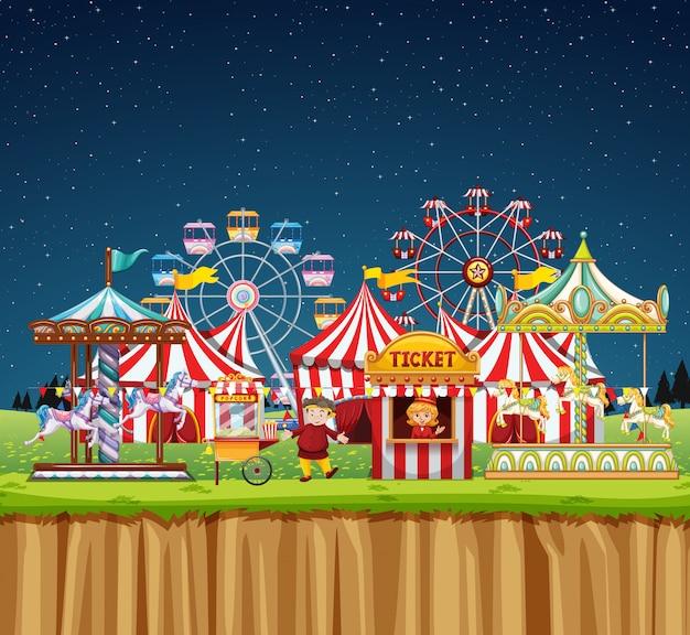 Cena de circo com pessoas durante a noite