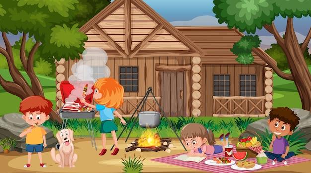 Cena de piquenique com família feliz no jardim