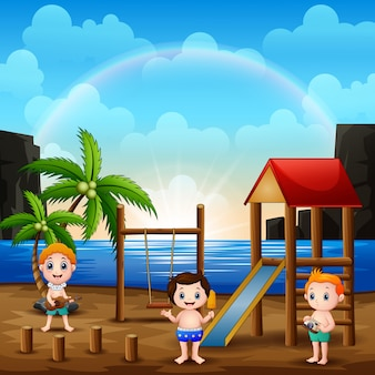 Cena de recreio na praia com crianças