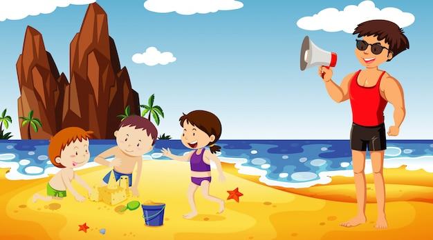 Cena do oceano com muitas crianças e um salva-vidas com alto-falante