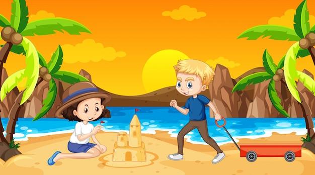 Cena do oceano com pessoas se divertindo na praia