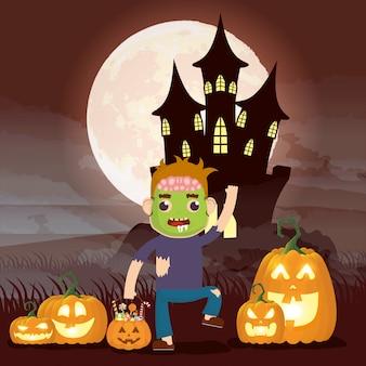 Cena escura de halloween com abóbora e criança disfarçada frankenstein