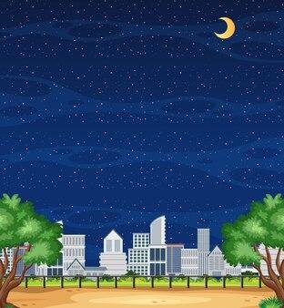 Cena vertical da natureza ou paisagem rural com vista da cidade e céu vazio à noite